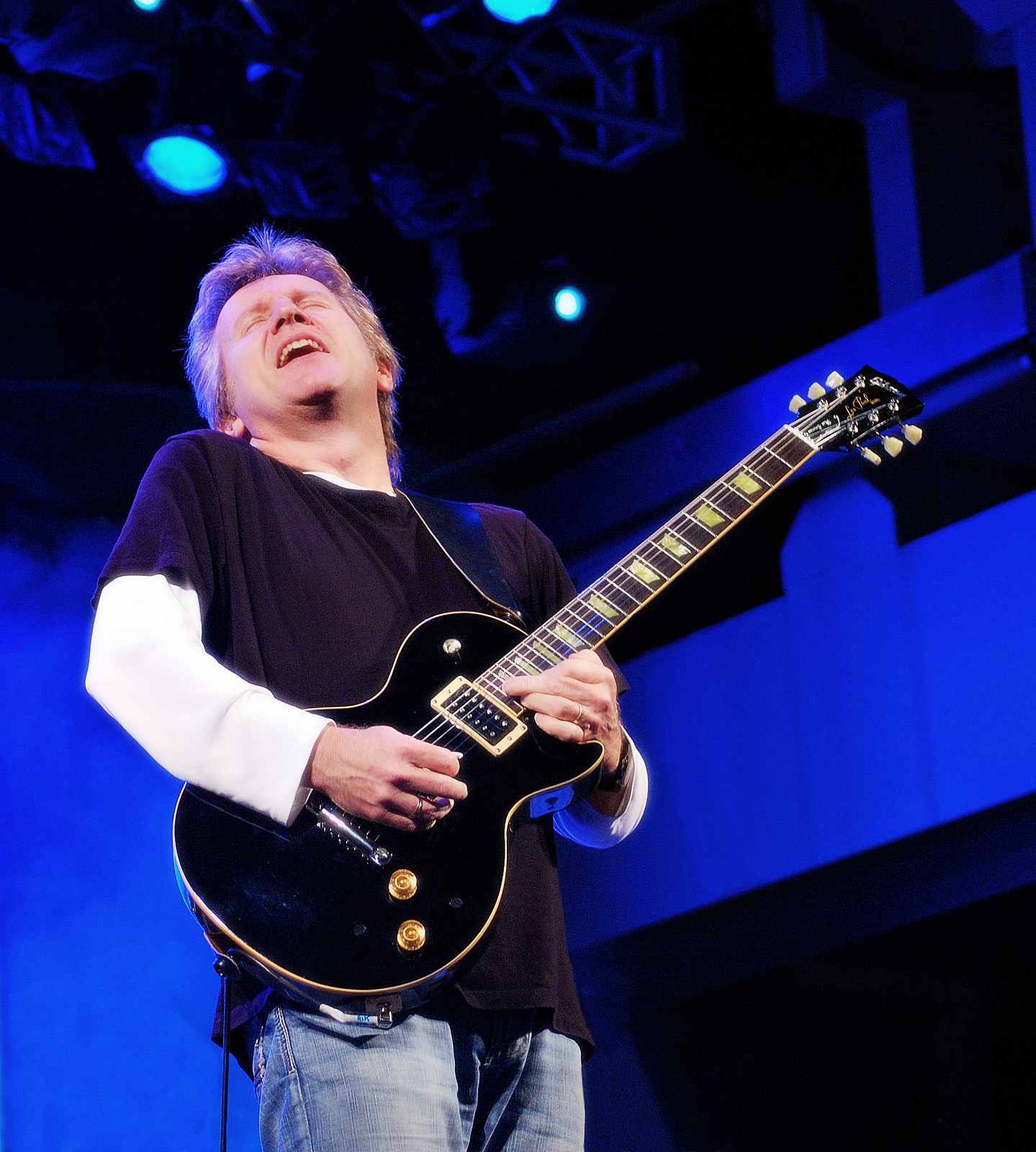 Rik Emmett to play area shows this weekend | Delaware ...